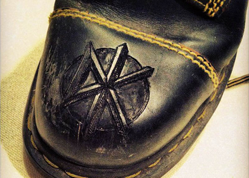 burnmethod, boots, dr. martens, doc martens, docs, dead kennedys, dk, punk, engraved, patch, leather, burn method